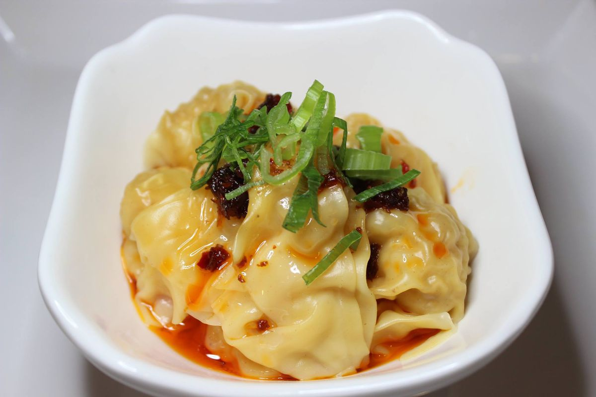 Hot and spicy wontons at the Hot Spot