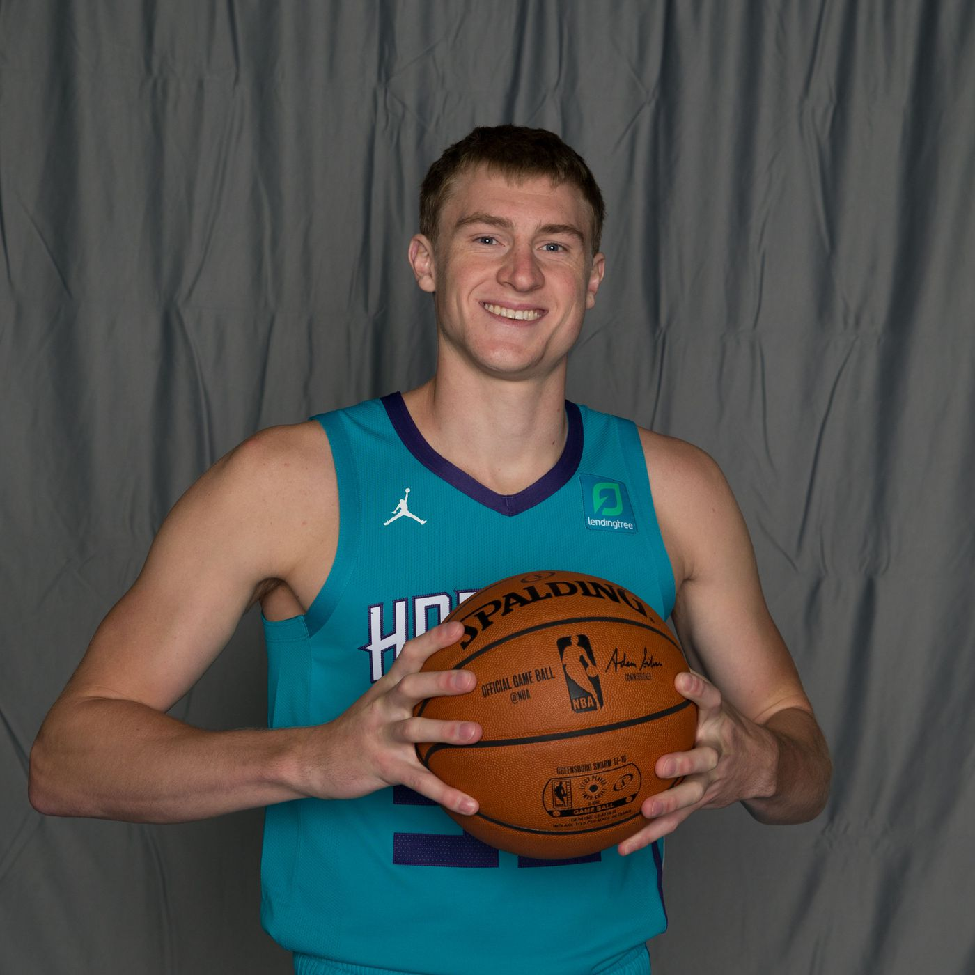 786c066b1ed Charlotte Hornets transfer J.P Macura to NBA roster - At The Hive