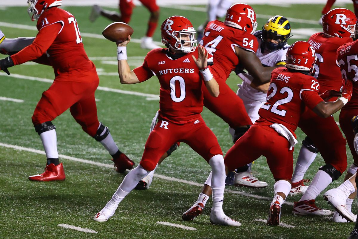 Rutgers Scarlet Knights quarterback Noah Vedral during the college football game between the Rutgers Scarlet Knights and the Michigan Wolverines on November 21, 2020 at SHI Stadium in Piscataway, NJ.