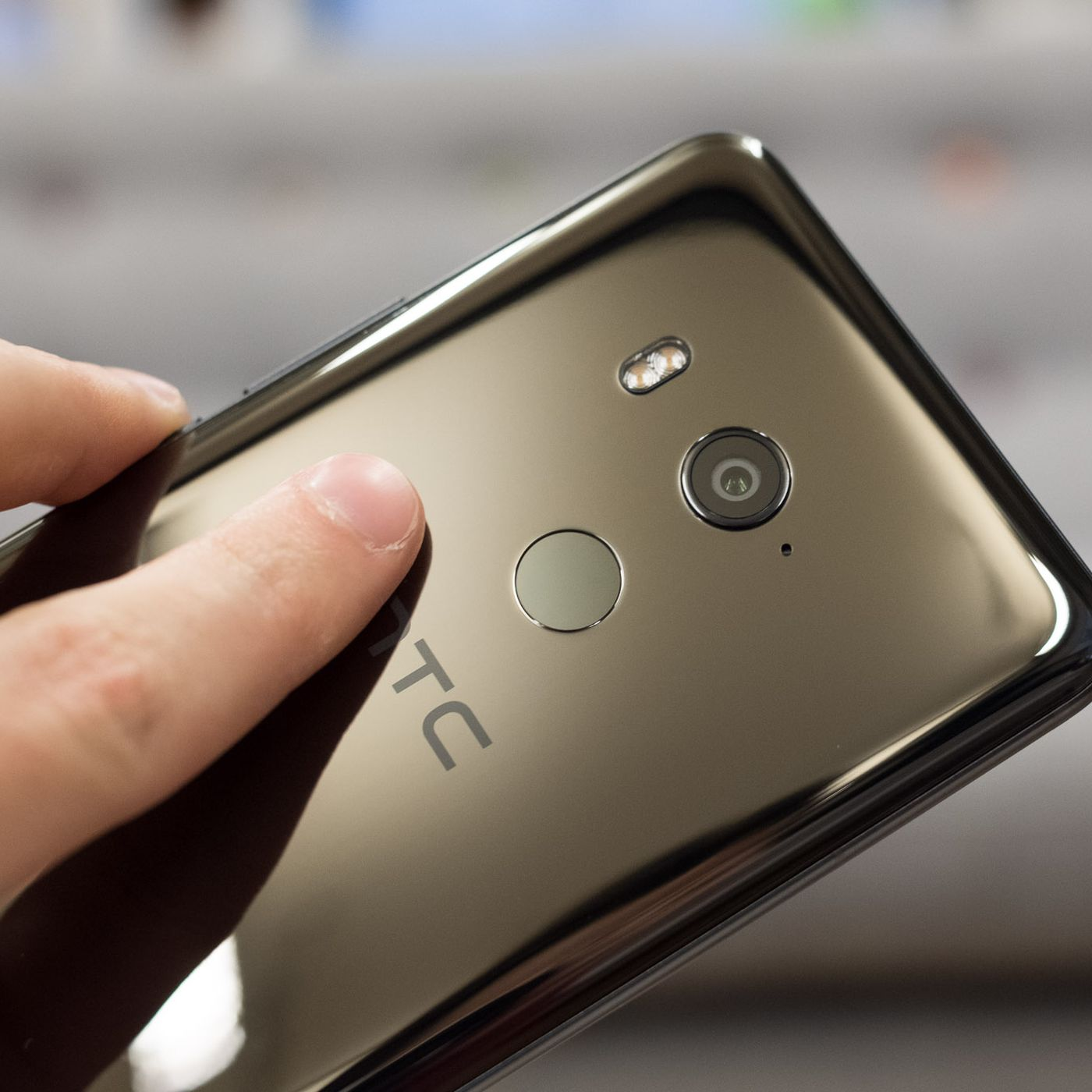 HTC phone chief quits as company prepares for what may be