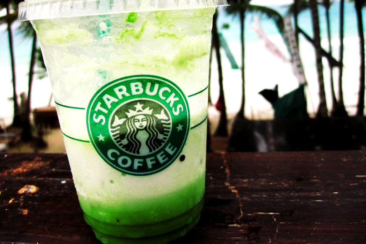 reasons why starbucks still shines despite Oh starbucks hated by coffee experts loved by caffeinated white girls what makes starbucks so great rachel hennessey gives us three reasons of forbes magazines gives us three reasons in her article 3 reasons why starbucks still shines, despite.
