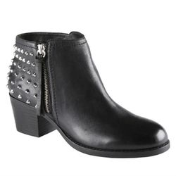 "<b>Aldo</b> Podujeve Ankle Boots, <a href=""http://www.aldoshoes.com/us/women/boots/ankle-boots/91159104-podujeve/97"">$120</a>"