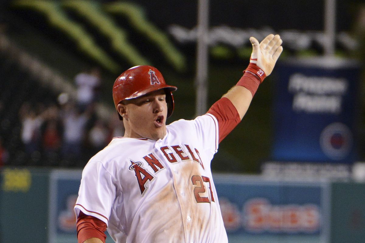 Mike Trout spreads Holiday magic over all of Angels baseball!