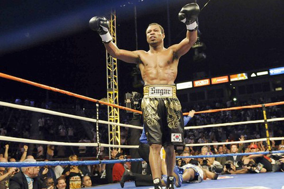 Shane Mosley's ring return could potentially be pushed from December 5 to December 26 to accommodate Kelly Pavlik and Paul Williams. (Photo credit Gina Ferazzi / Los Angeles Times / September 27, 2008)