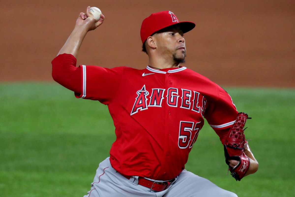 Los Angeles Angels v Texas Rangers