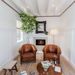 """The sitting area off of the kitchen. [Photo by <a href=""""http://www.patriciachangphotography.com/"""">Patricia Chang</a>]"""