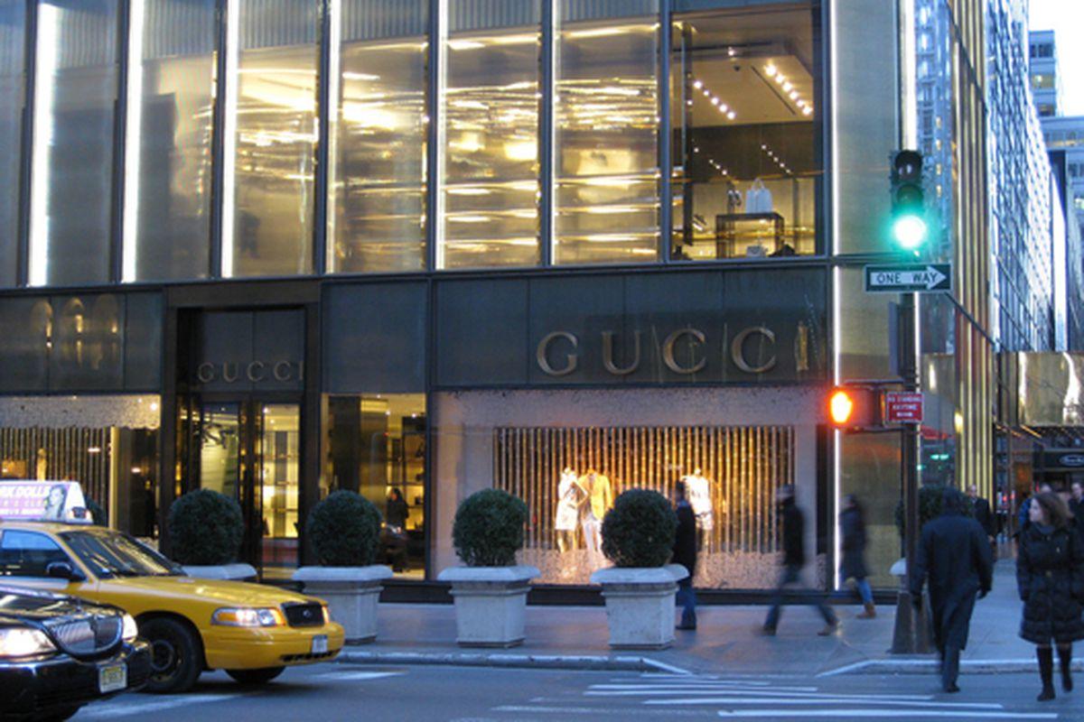 "Gucci on Fifth Avenue via <a href=""http://www.flickr.com/photos/achimh/4368159772/"">AchimH</a>/Flickr"