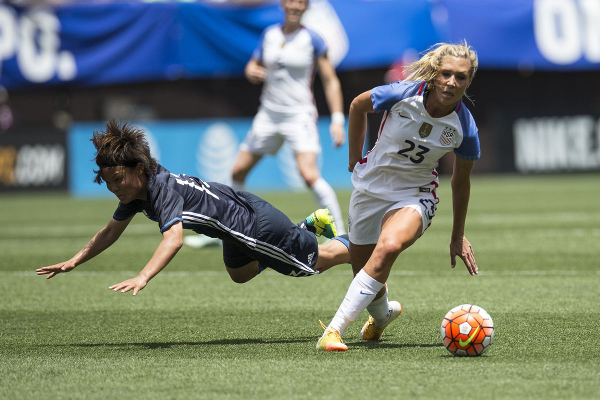 Allie Long scored her first of the NWSL season in her return from the Rio Olympics, but it wasn't enough to keep Portland Thorns FC from falling 3-1 to Seattle Reign FC Saturday afternoon.