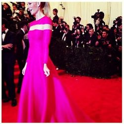 """Hint-o-punk, courtesy of <a href=""""http://instagram.com/p/Y_XjNrDIJv/"""">Gwyneth</a>."""