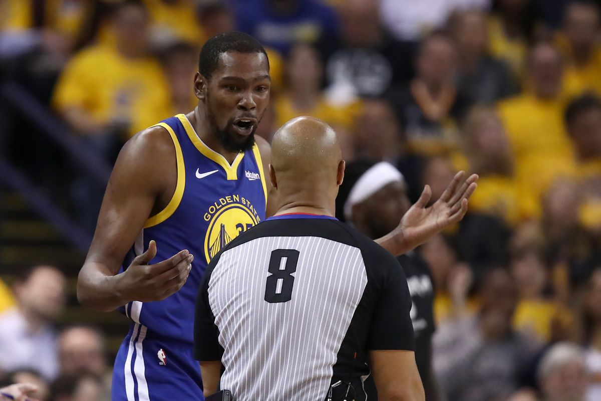 Los Angeles Clippers v Golden State Warriors - Game Five