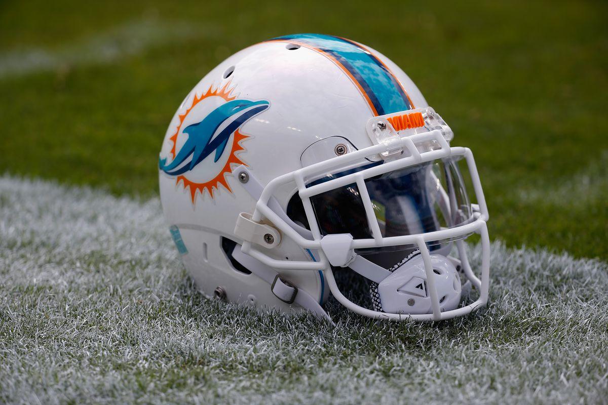 Miami Dolphins v Washington Redskins