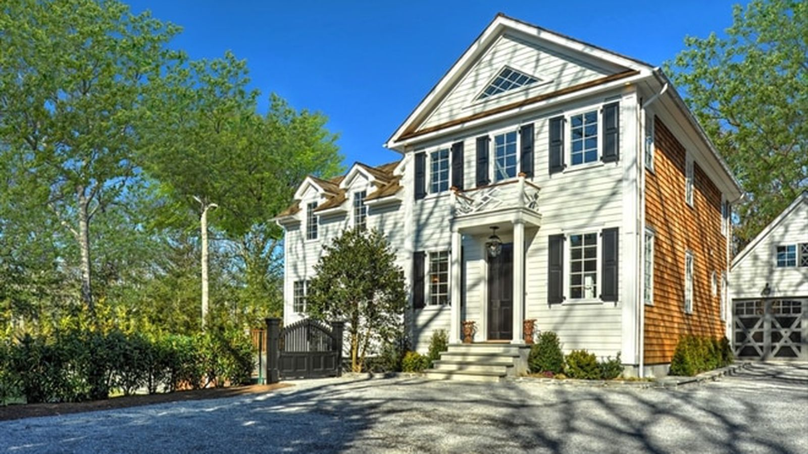 singles in east hampton Search for luxury real estate in east hampton with sotheby's international realty view our exclusive listings of east hampton homes and connect with an agent today.
