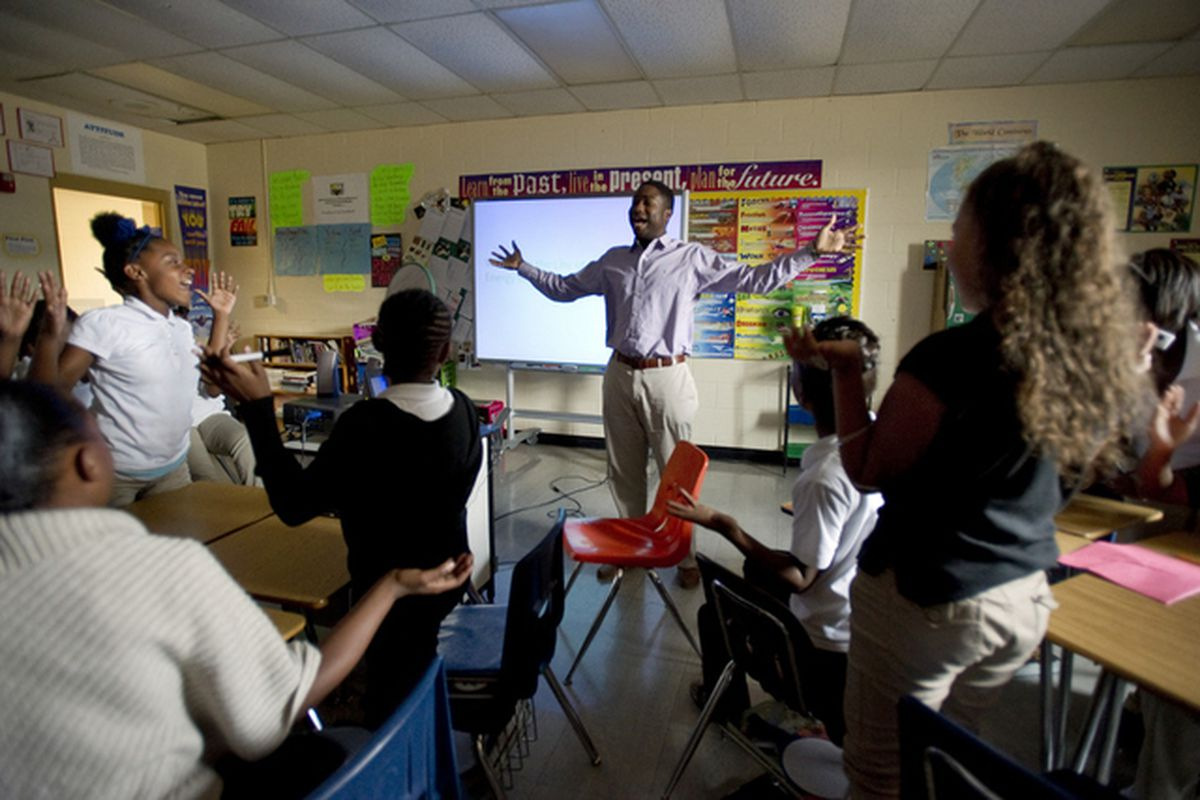 Sixth-grade teacher James Johnson leads his students in a gameshow-style lesson on energy at Chickasaw Middle School  in 2014 in Shelby County. The district was one of three that received a grant from the Gates Foundation to overhaul teacher evaluation.