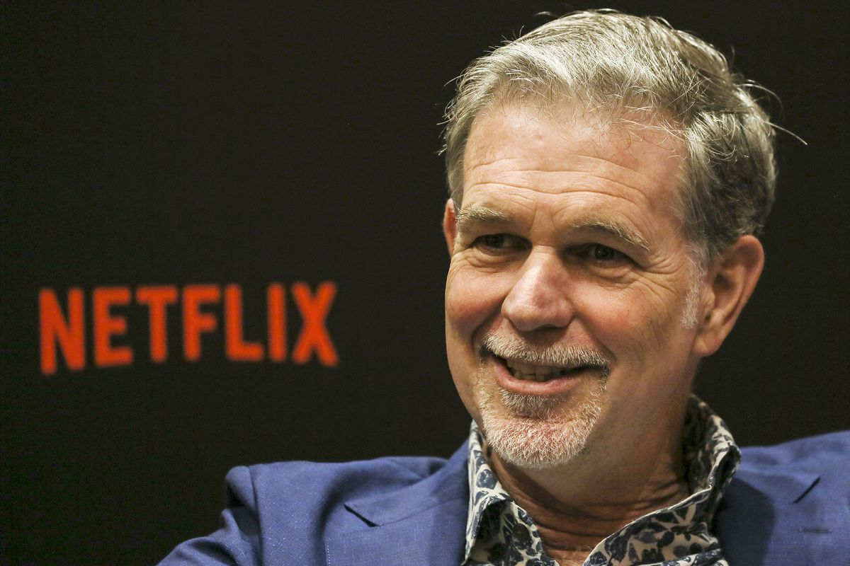 Netflix suffers first major loss of U S  subscribers - The Verge