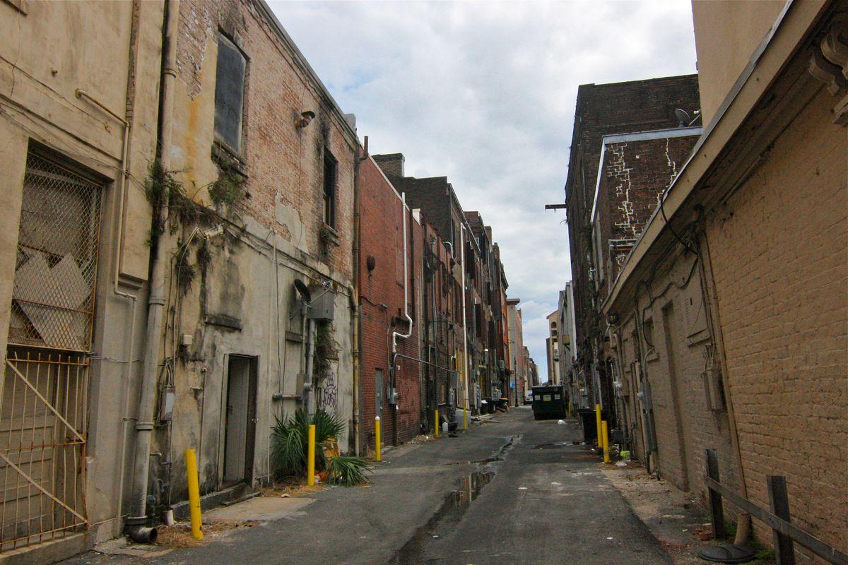 An alley in Savannah.