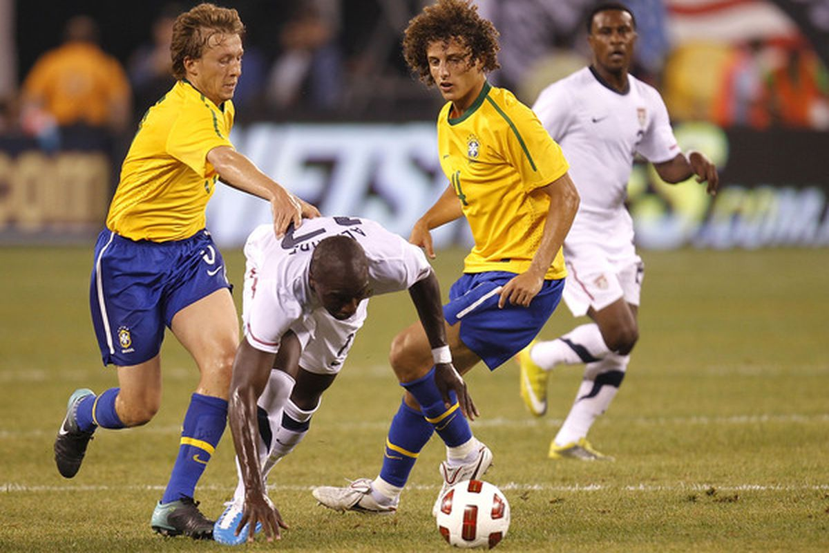 Brazilian defender David Luiz is a key transfer target for several teams.