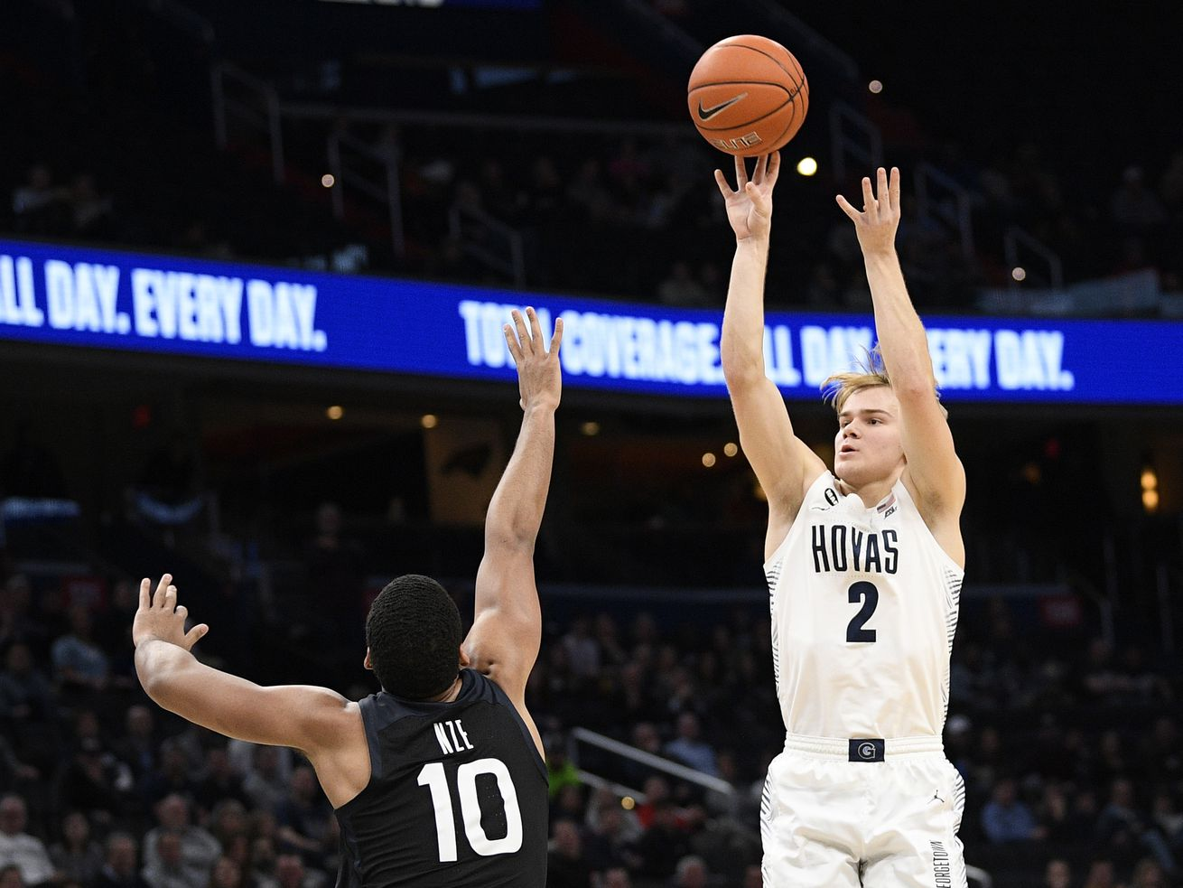 Internet sensation, Georgetown transfer guard Mac McClung considering BYU