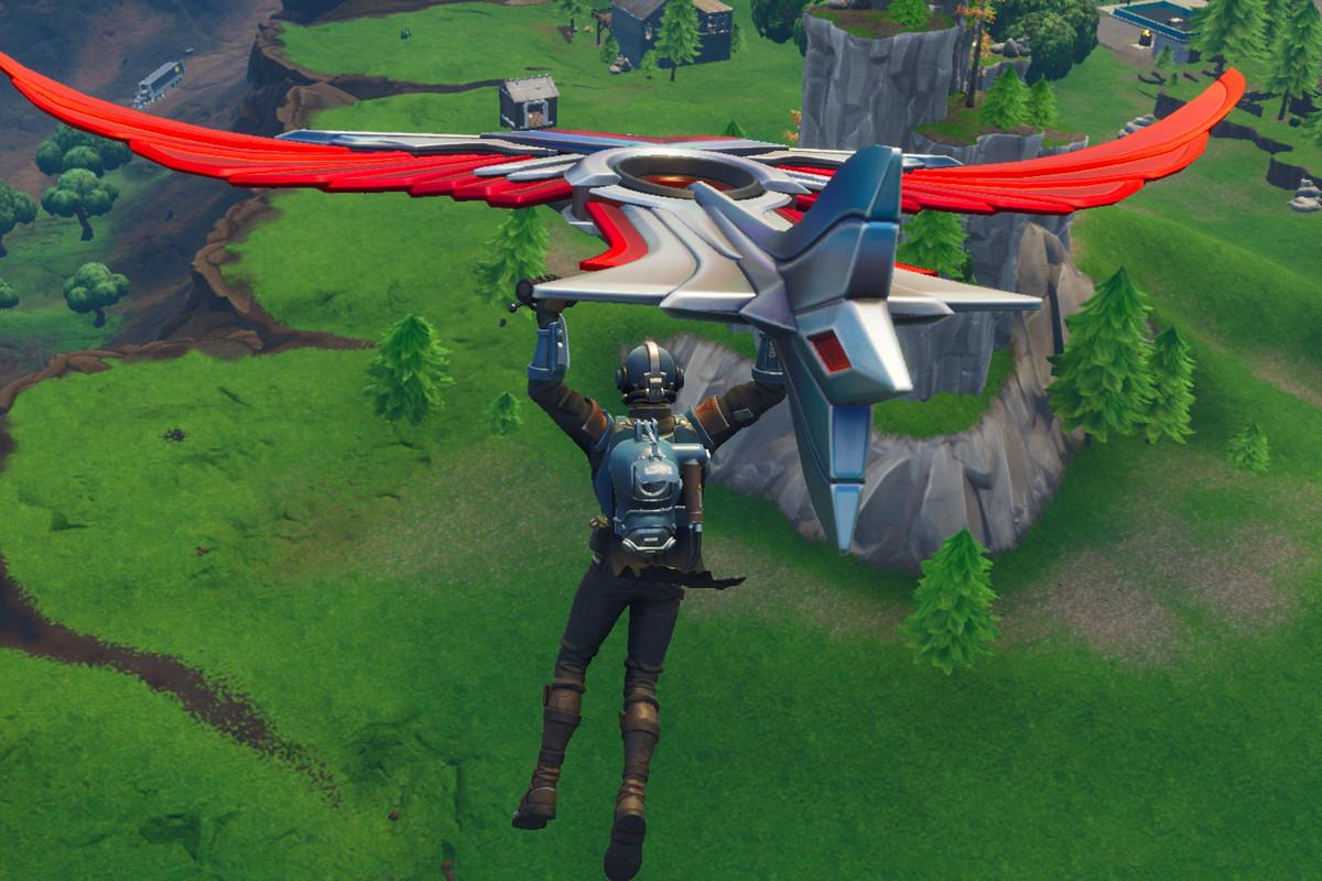 Fortnite - gliding in