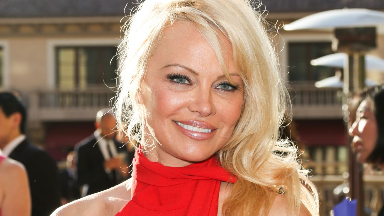 Pam Anderson Is Opening a Vegan Restaurant in the South of France