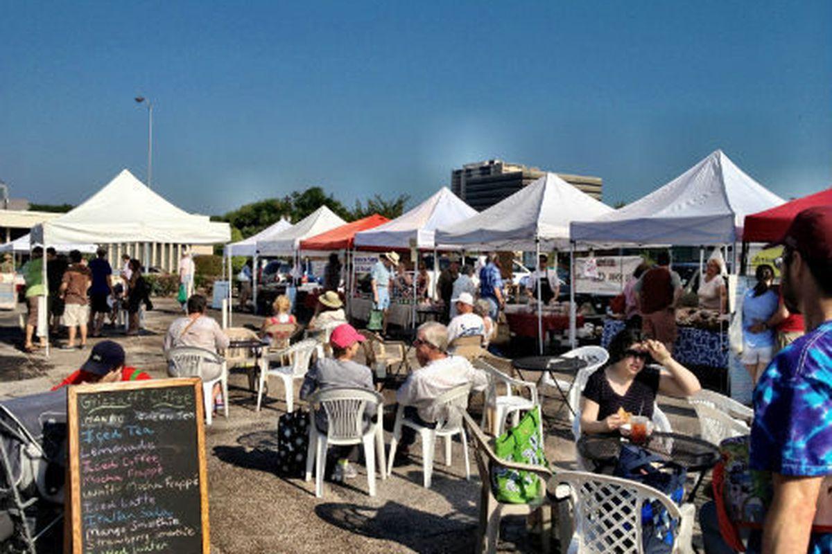The Urban Harvest Farmers' Market on a Saturday morning