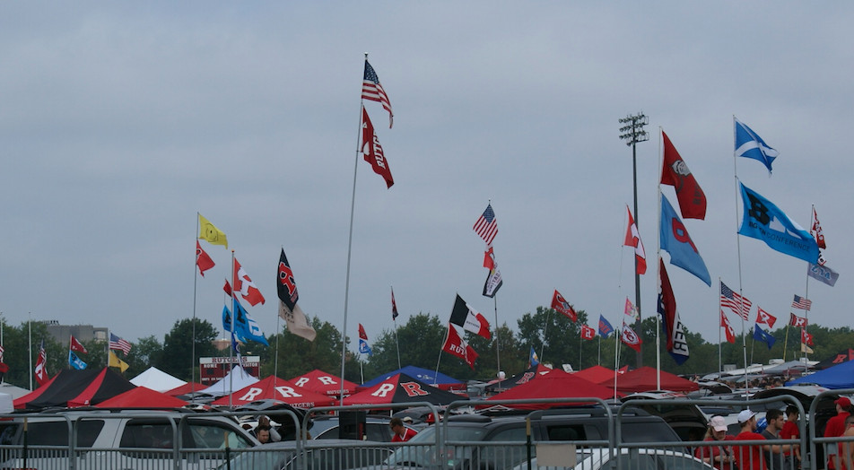 Rutgers Football Tailgating Always A Major Happening - On