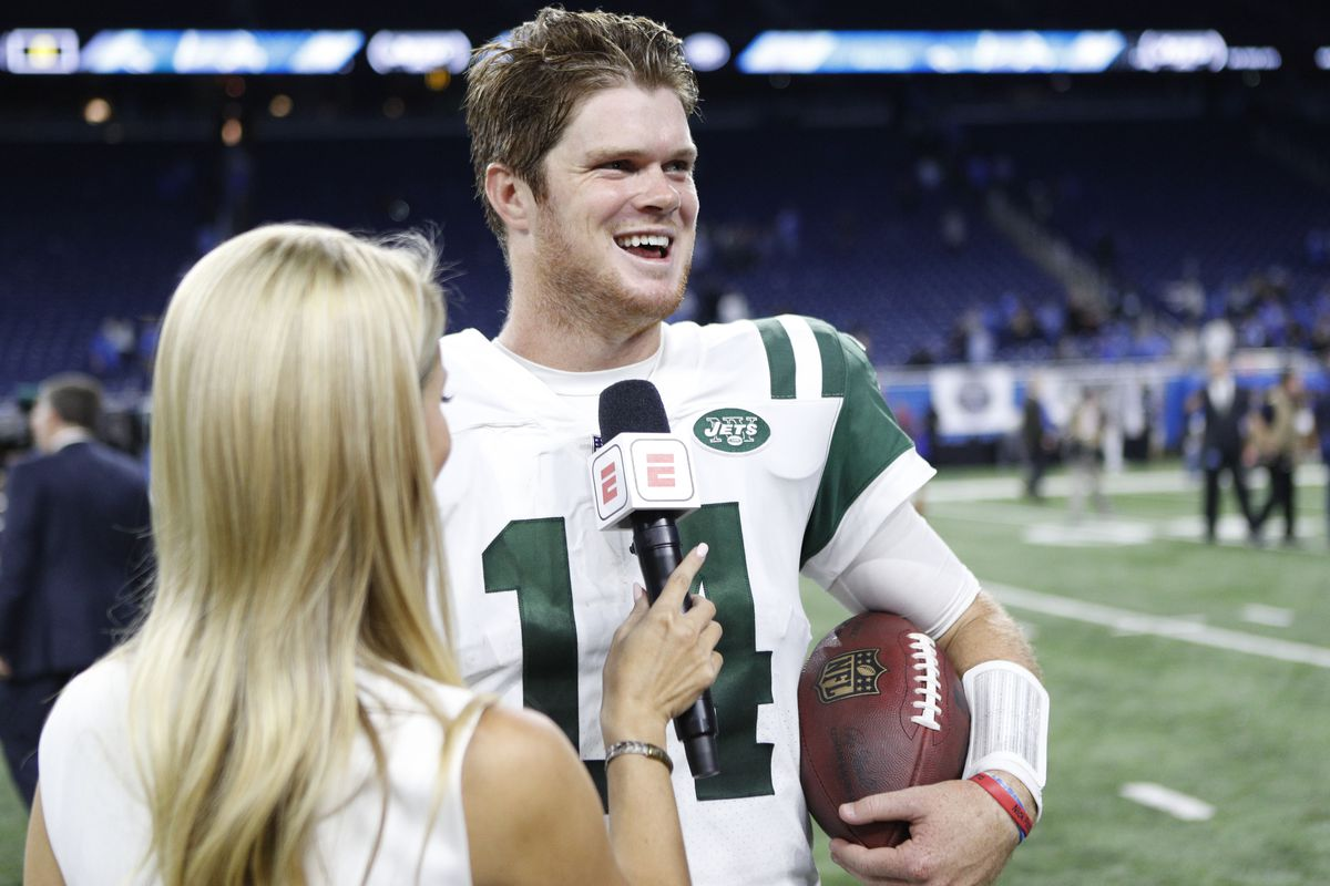 7a1792190be Raj Mehta-USA TODAY Sports. Former USC quarterback Sam Darnold notched his  first career start ...