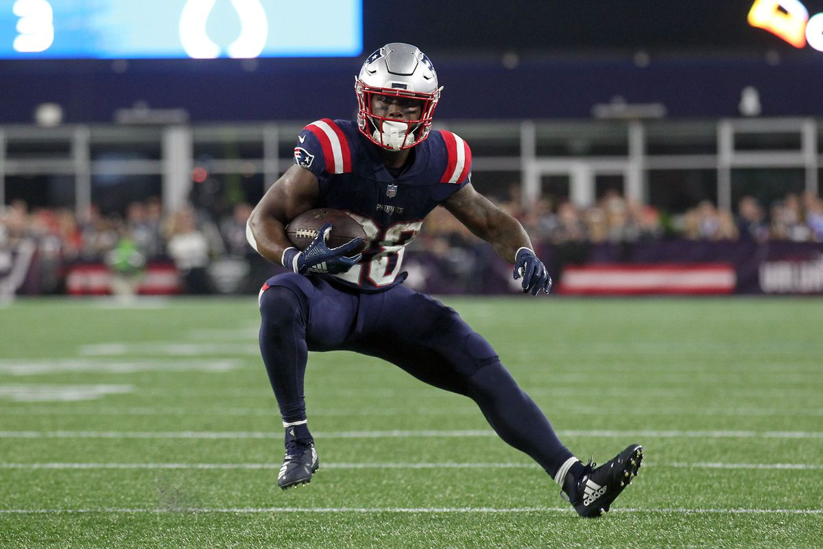 For Patriots James White The Catches Are Adding Up In A Hurry Pats Pulpit
