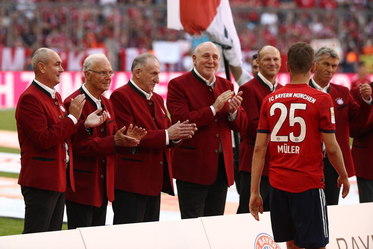 FC Bayern München v VfB Stuttgart - Bundesliga