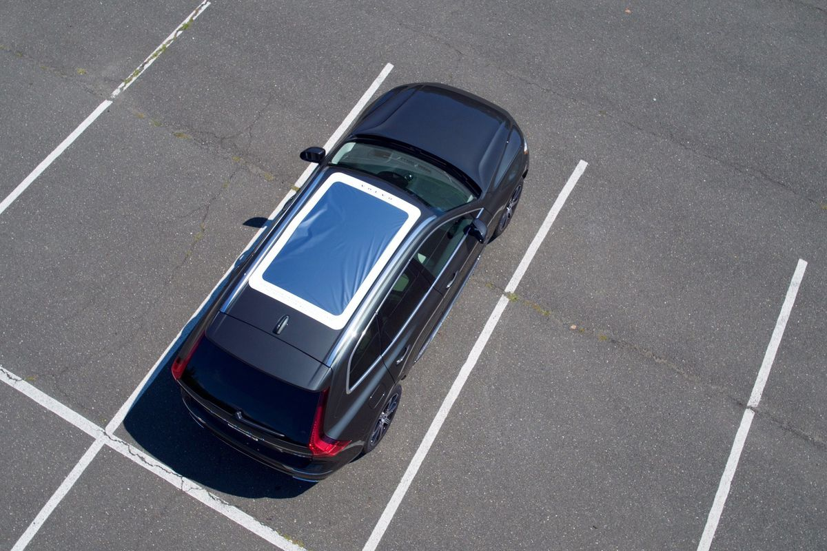 Volvo turns the 2018 XC60 into a solar eclipse viewer