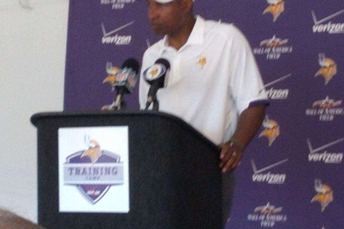 Slightly blurry photo of Leslie Frazier courtesy of...Eric J. Thompson. Because I was there.