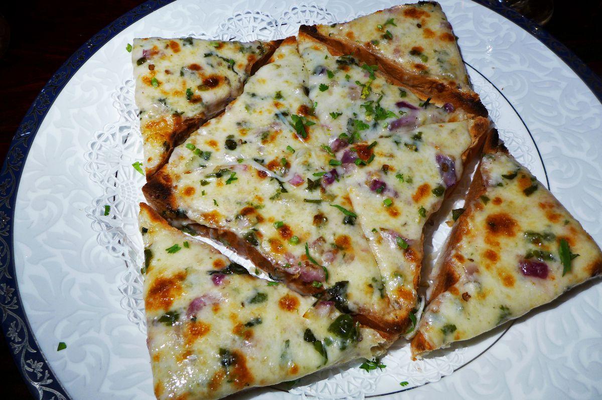 Chili cheese toast at Drunken Munkey