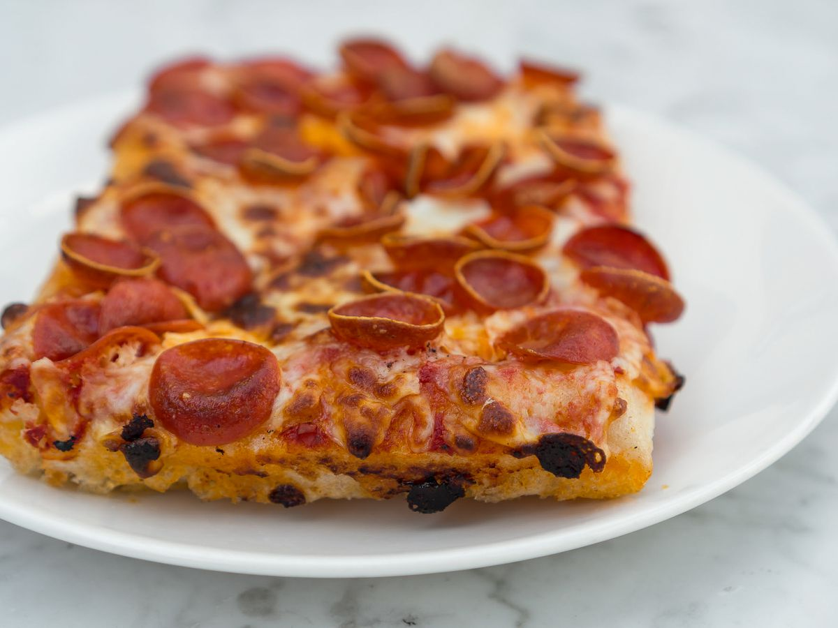 The Caputo Cup pizza with gluten-free crust and mozzarella and pepperoni at Flour & Barley