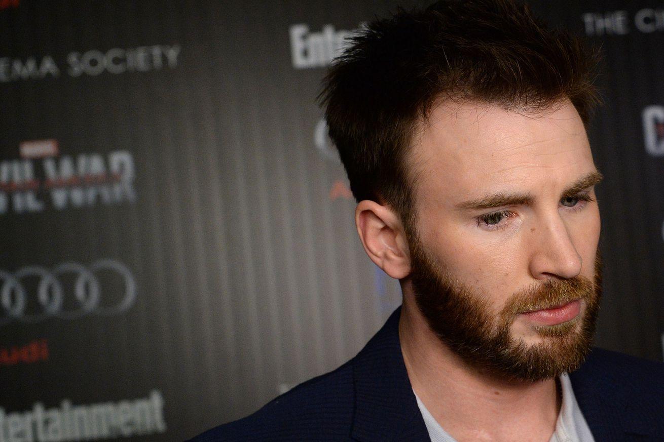 Actor Chris Evans attends a screening of Marvel's 'Captain America: Civil War' in 2016