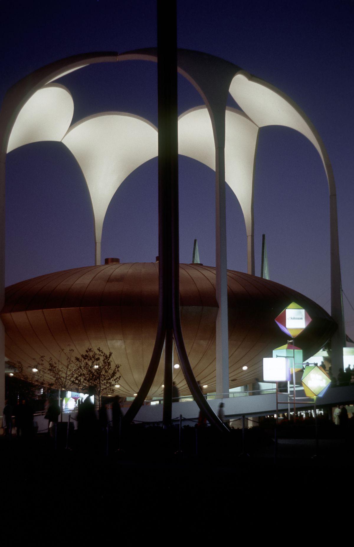 Johnson-Wax Pavilion at night