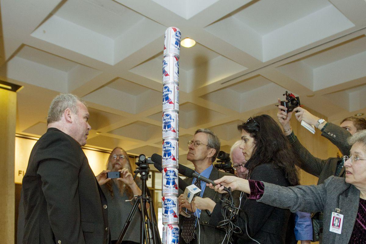"Pole Of Beer Cans Erected In Florida Capitol Celebrating Irreverent ""Festivus"""