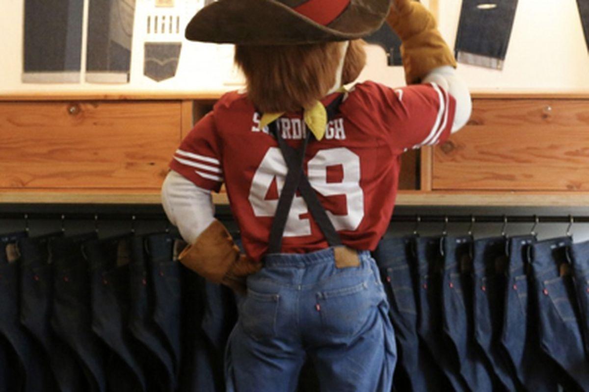 "Sourdough Sam is ready for the season with new Levi's jeans; photo via <a href=""http://www.levisstadium.com/2014/06/photo-gallery-sourdough-sam-receives-brand-levis-jeans/"">Levi's Stadium</a>"