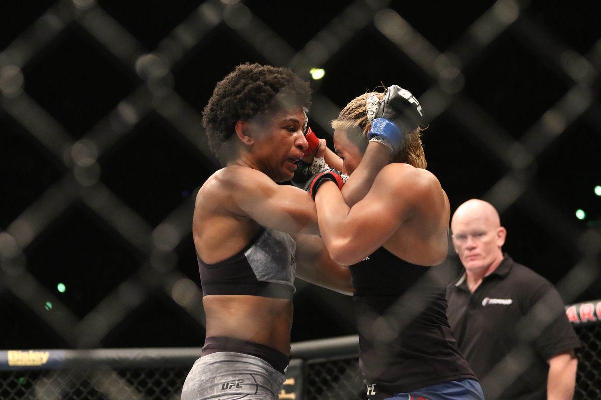 MMA: UFC Fight Night-Auckland-Lookboonmee vs Hill