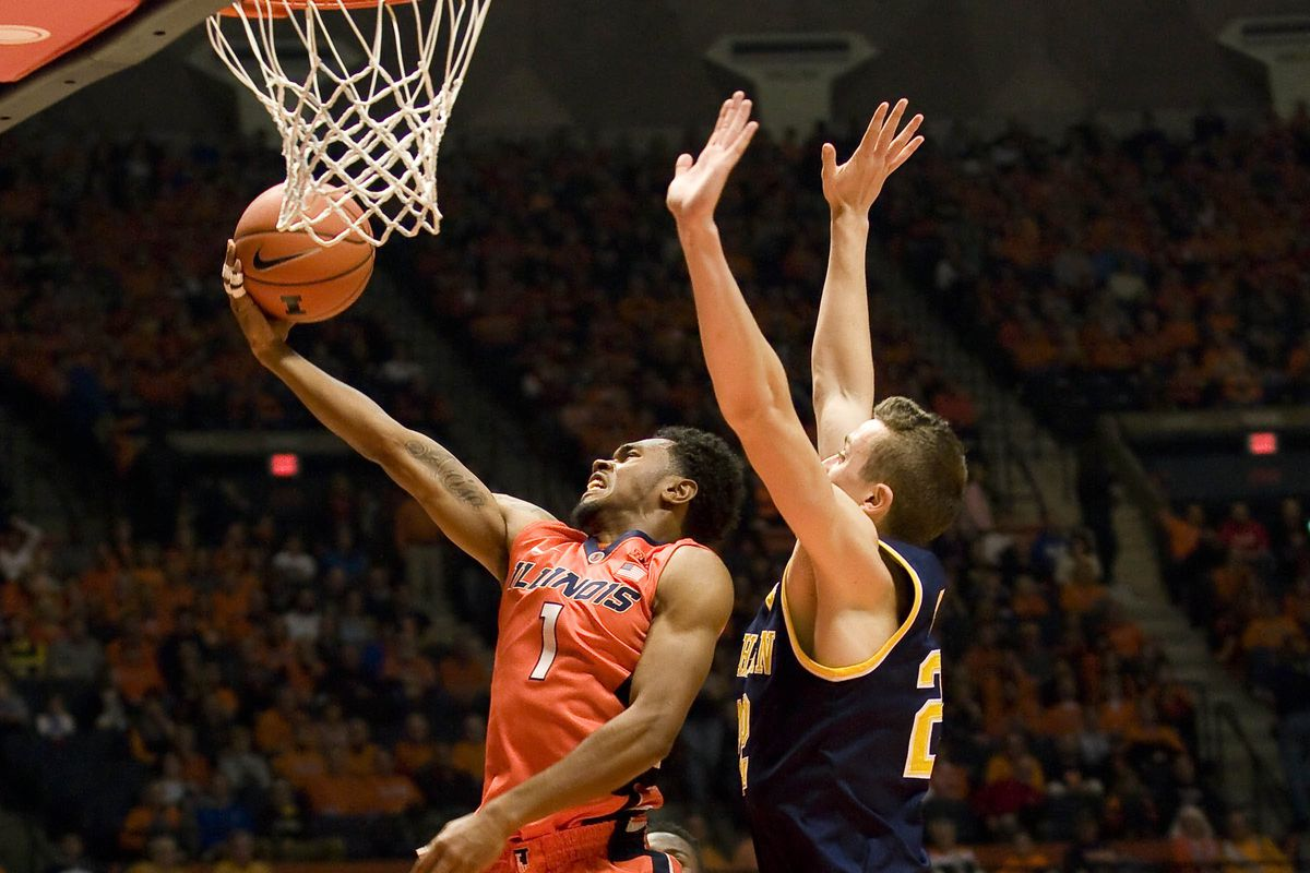 Jaylon Tate goes in for a lay-up against Michigan.