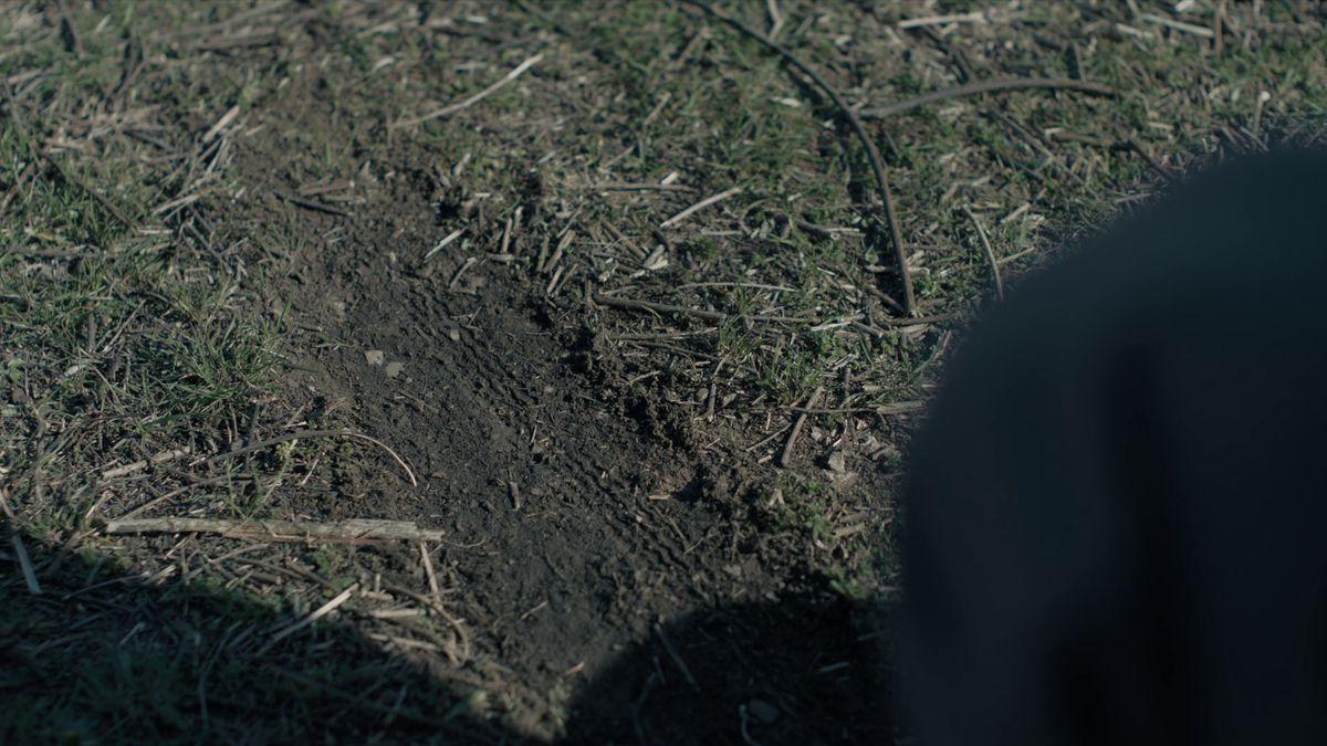 Tire tracks True Detective Season 3 Wayne