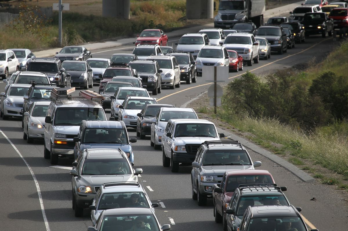 Why do traffic jams sometimes form for no reason? - Vox