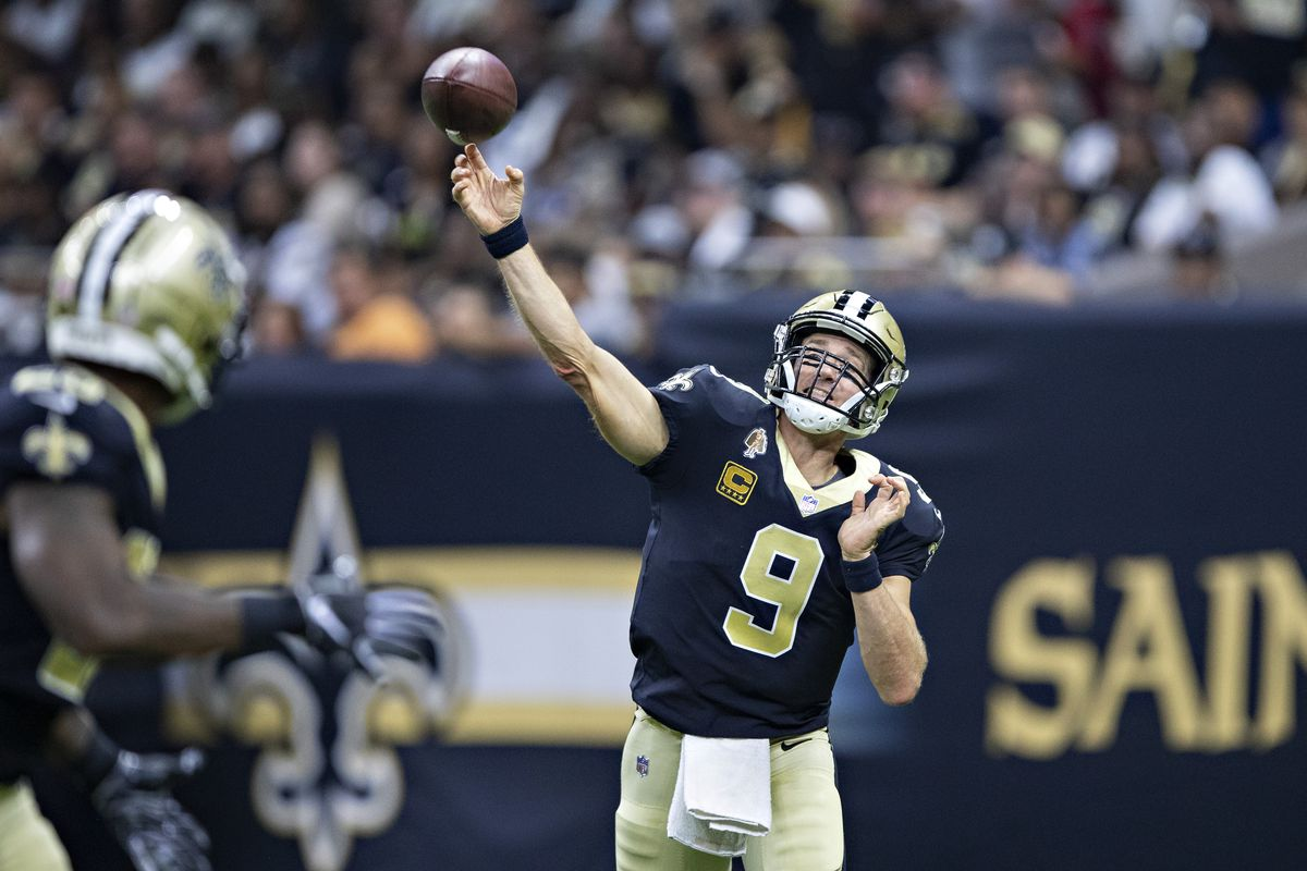 9b6b9f90a Drew Brees Breaks NFL All-Time Completions Record - Hammer and Rails