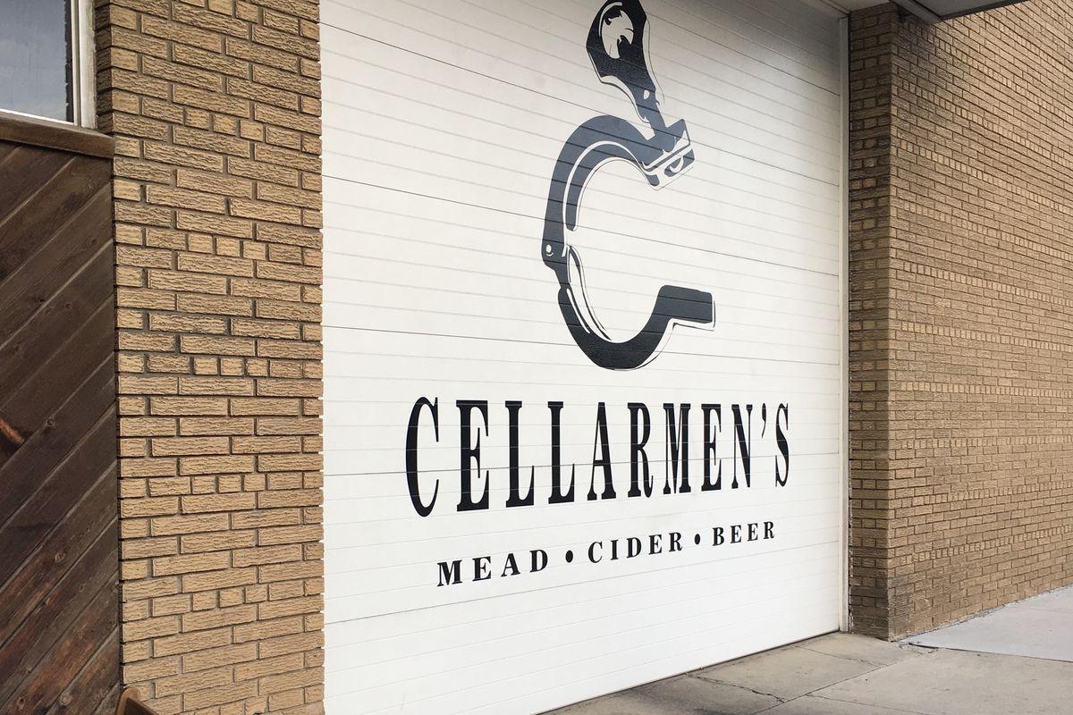 garage door for cellarmen's