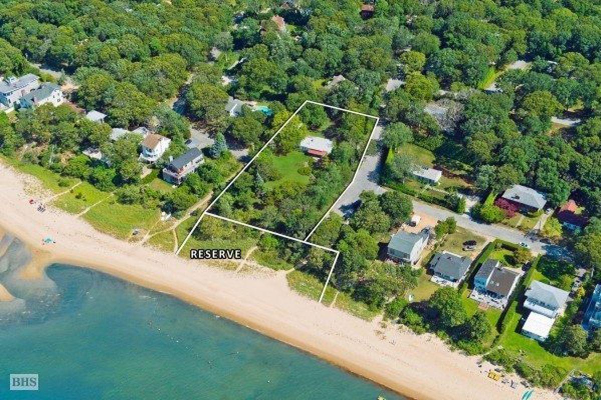116 Hillside Dr E, Sag Harbor