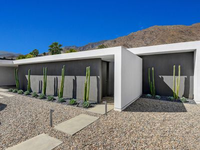 Minimalist modern desert home can be yours for $1.6M