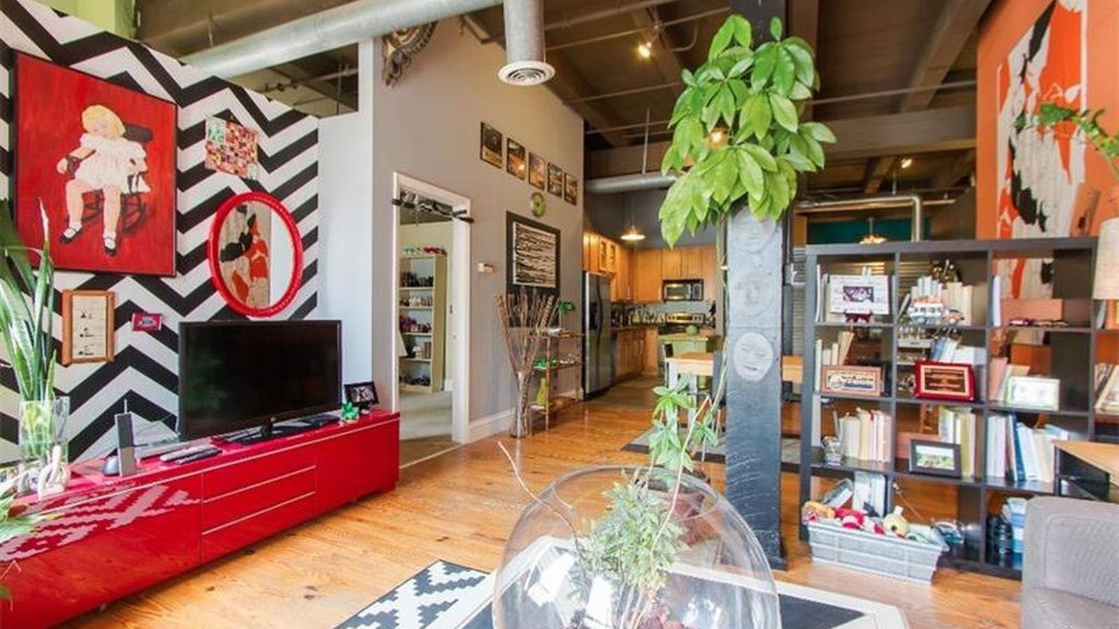 Funky Loft Offers City Views Vault Bedroom History For