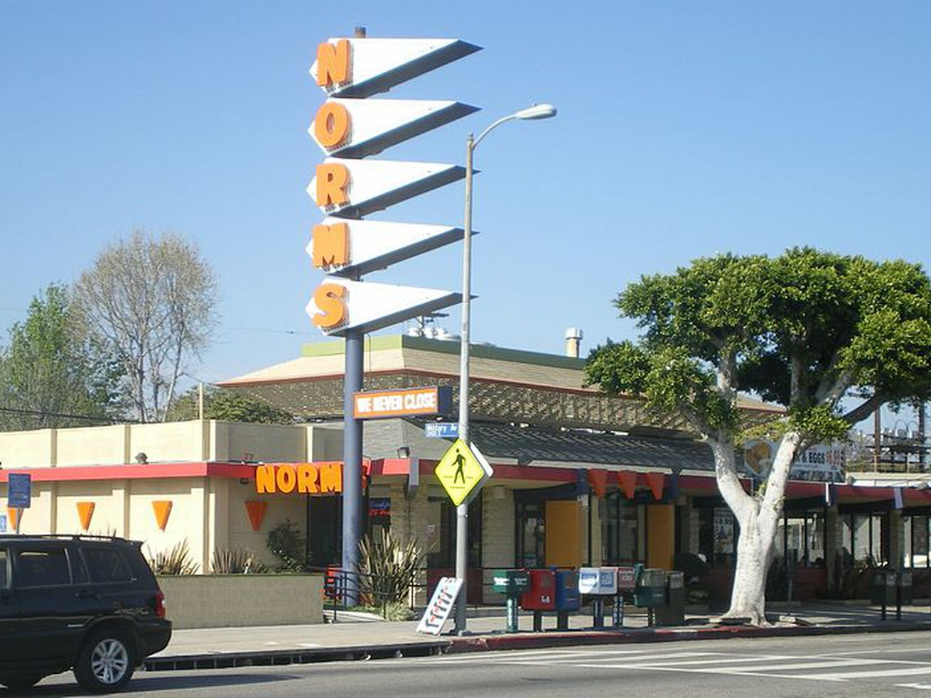 The now-demolished Norms at 11001 West Pico Boulevard.