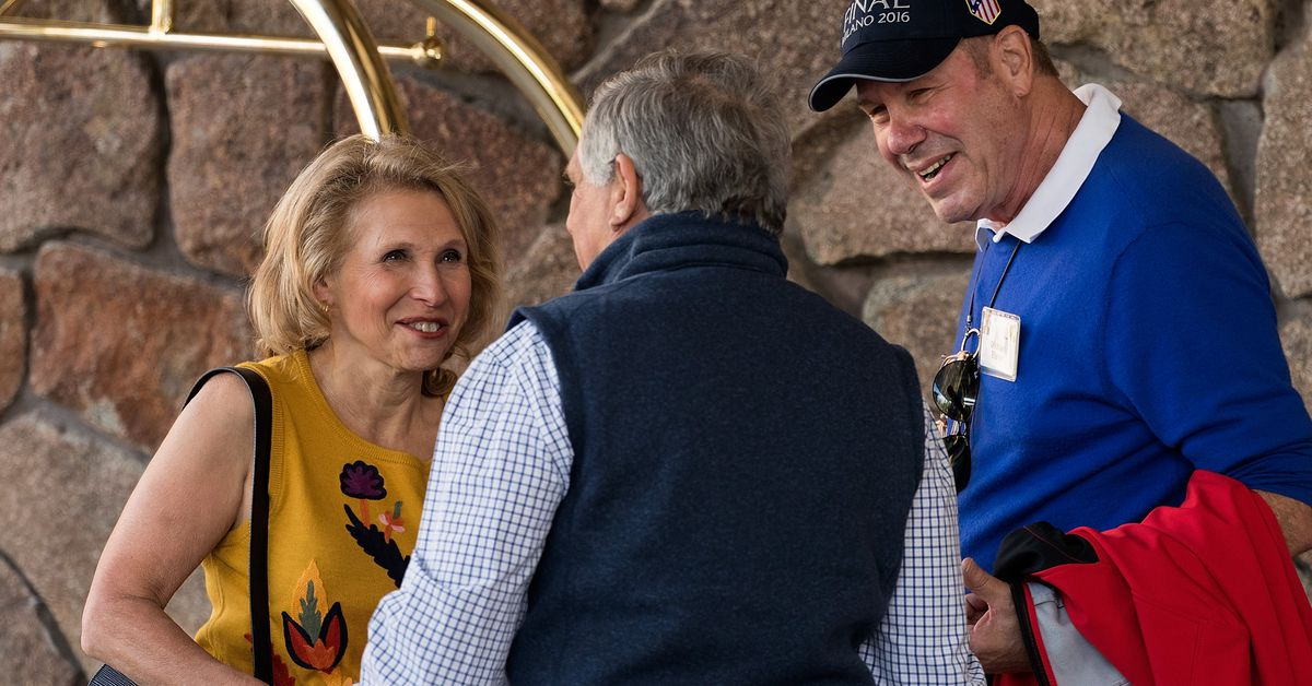 photo image Shari Redstone wins a round in her fight with Les Moonves and CBS. What's her next move?