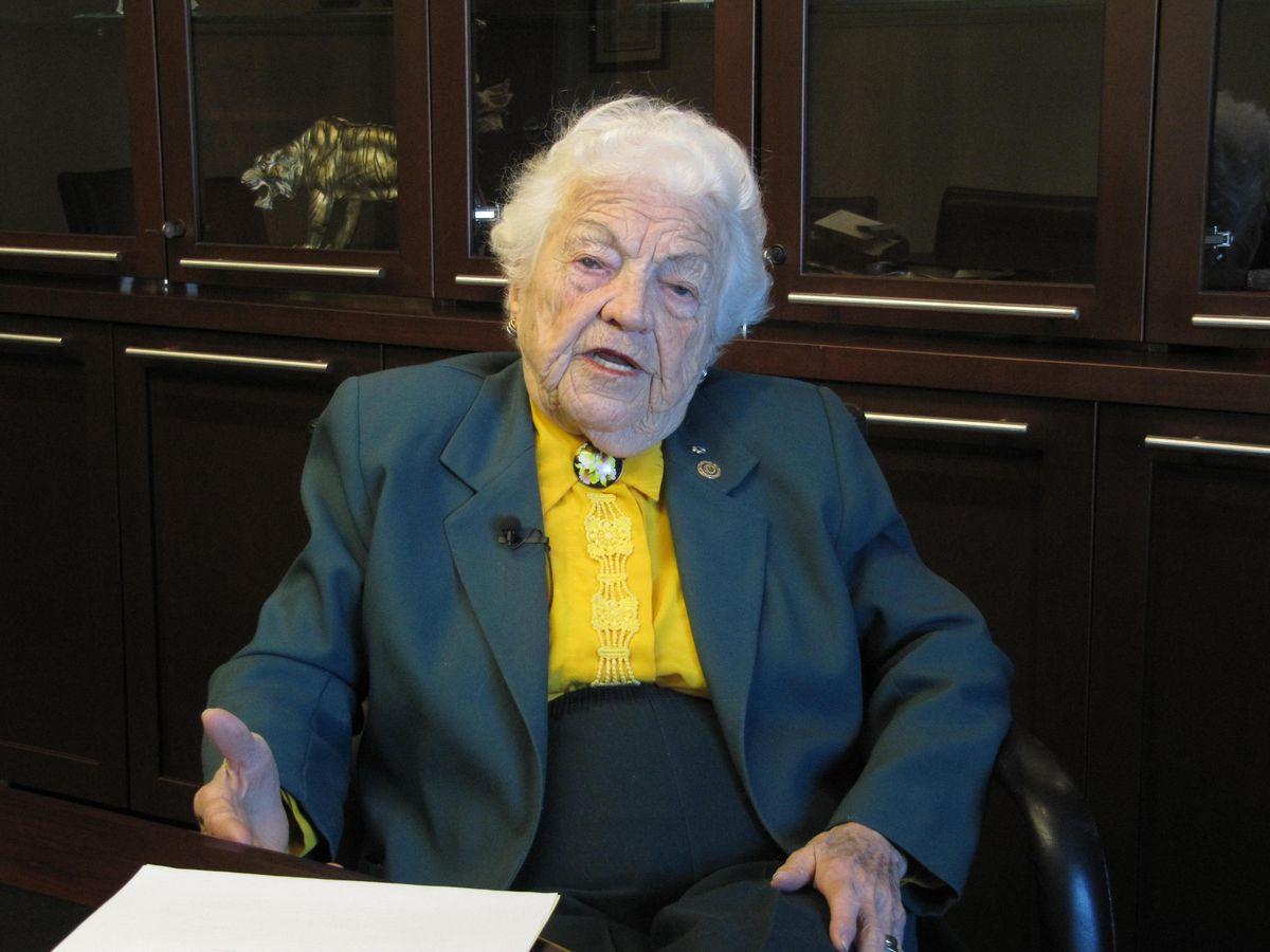 Canada's oldest mayor Hazel McCallion