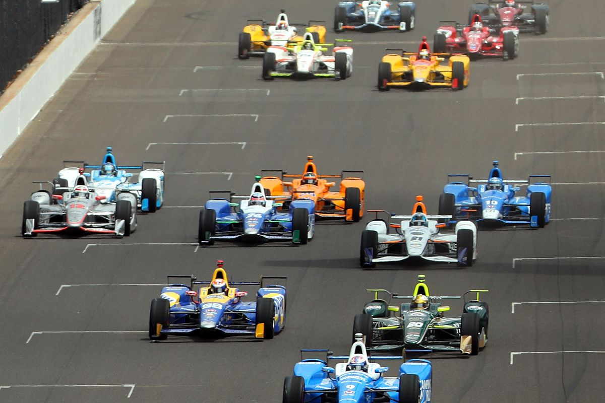 A general view of the start of the 101st running of the Indianapolis 500 at Indianapolis Motorspeedway on May 28, 2017 in Indianapolis, Indiana.