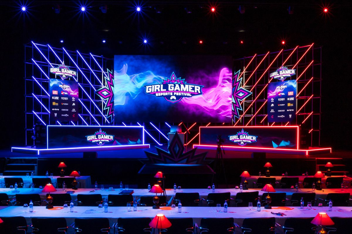 Women Only E Sports Events Are Building Toward A Future Where They Re Unnecessary The Verge